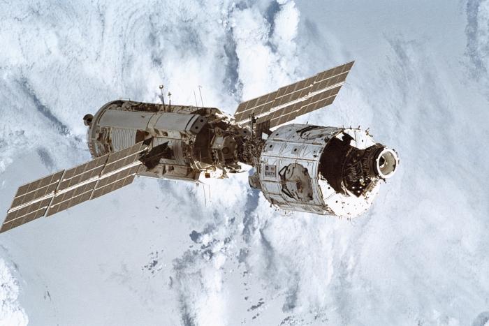 «Космическая станция», 2002 год