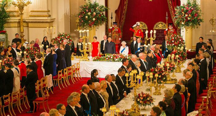 Ужин в королевской семье/Фото источник:www.vn.sputniknews.com