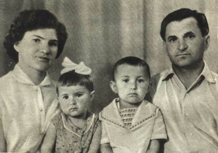 Петр Клыпа с семьей