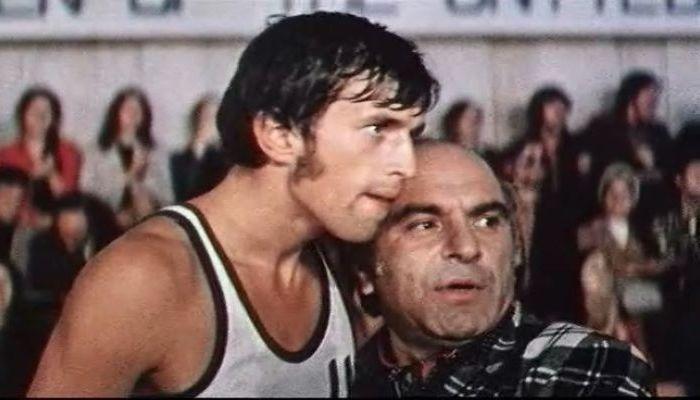 """Кадр из фильма """"Центровой из поднебесья"""""""