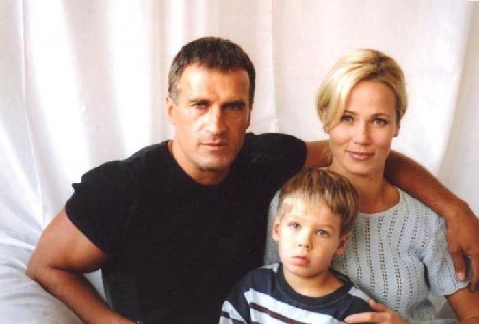 Александр Дедюшко с женой Светланой и сыном Димой
