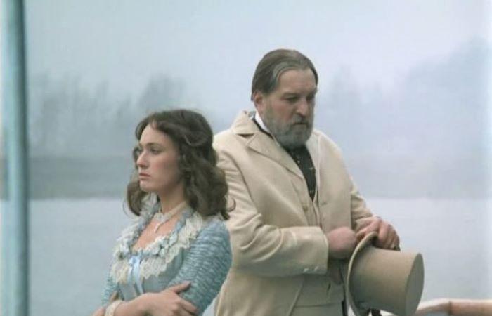 """Кадр из фильма """"Жестокий романс"""""""