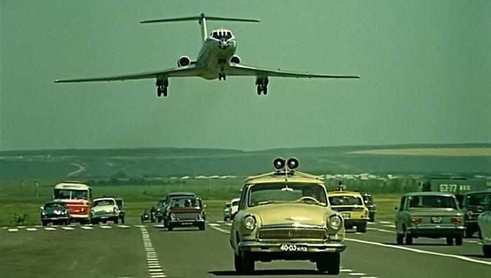 Посадить самолет на шоссе - дело нелегкое