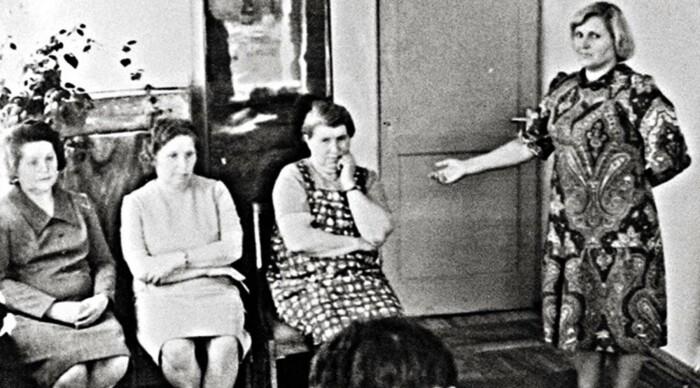 Очная ставка со свидетельницей (Антонина сидит крайняя справа)