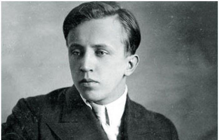 Юрий Есенин