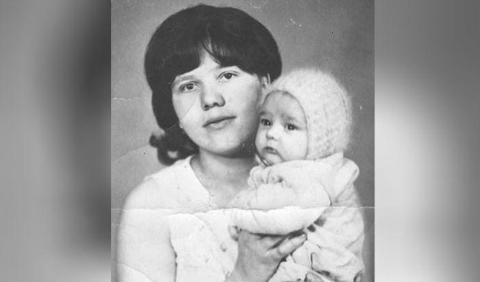 Маленький Юра Шатунов с мамой