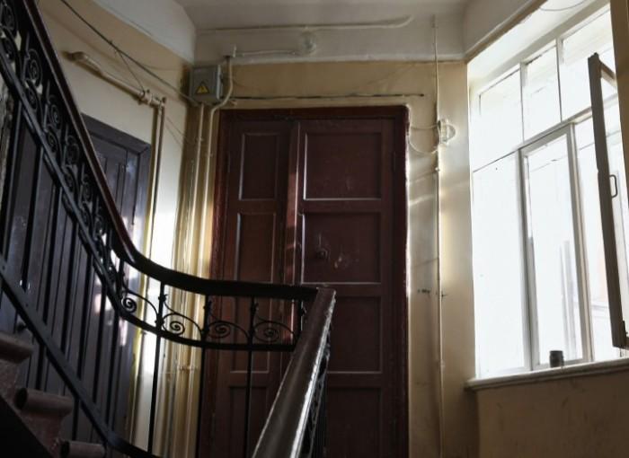 Двери в ту самую московскую квартиру.