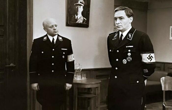 Фашисты в фильме получились уж слишком симпатичными.