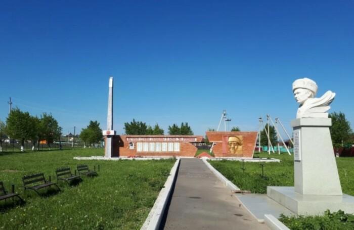 Сквер памяти Александра Матросова в Кунакбаево.