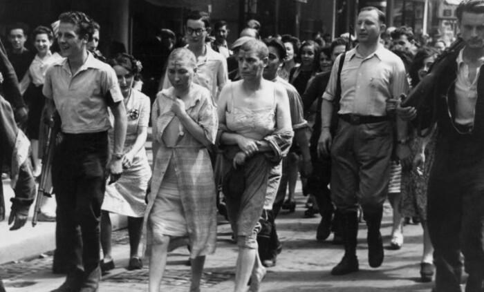 Власти сначала позволили народный суд, а затем посадили женщин в тюрьму.