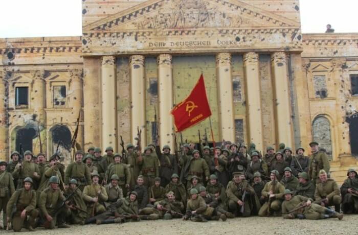 Советская армия не допускала дальнейшего разрушения культурных ценностей Германии.