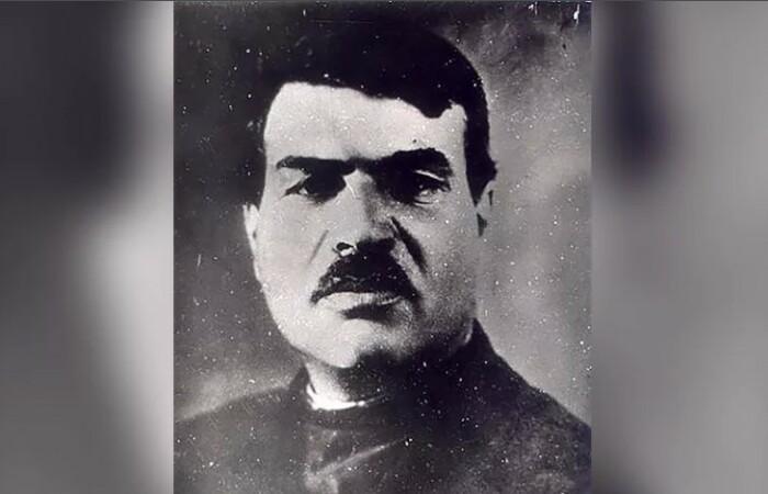 Яков Юровский.