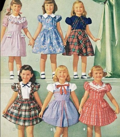 Детская мода тех лет была весьма разнообразна по цвету.