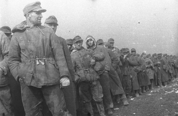 Не все военнопленные уехали на родину.
