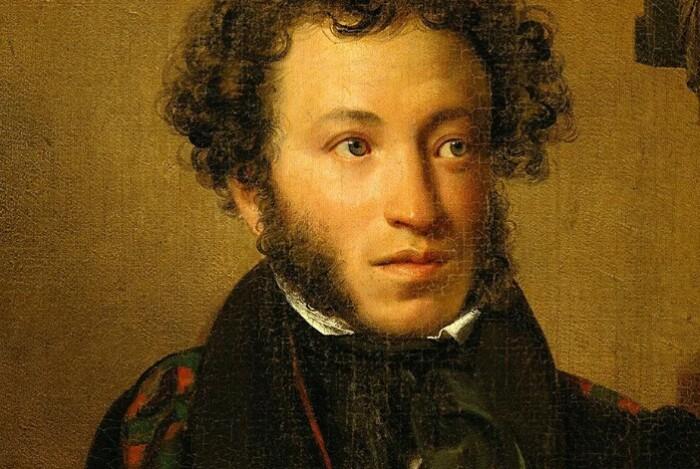 Александр Сергеевич часто матерился среди друзей.