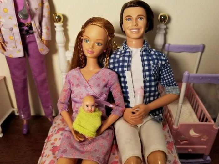 Семейная подруга Барби.