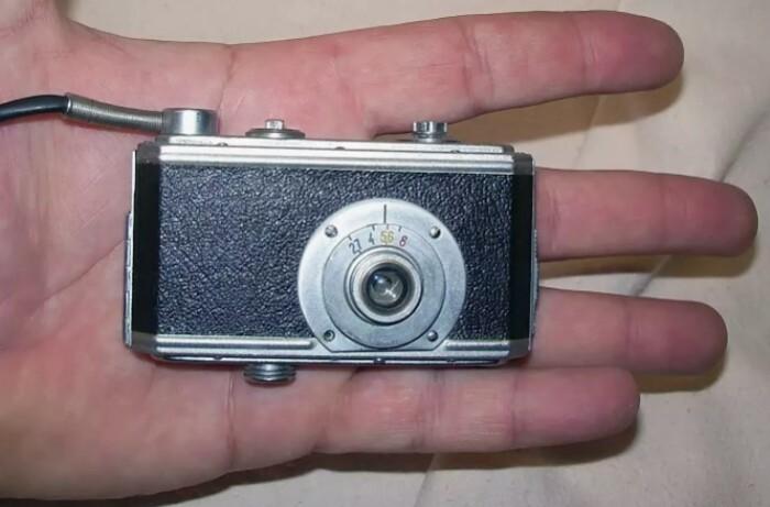 Миниатюрность и высокое качество съемки - главные требования к фотоаппарату разведчика.