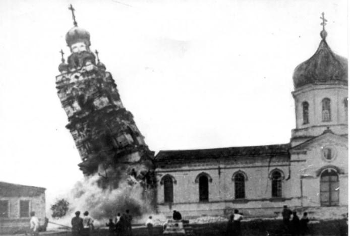 Разрушение храмов стало нормальной практикой.