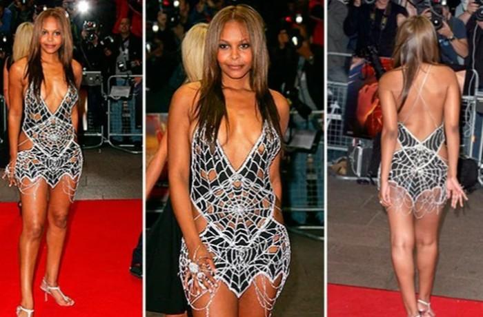 Платье из бриллиантовой сетки.