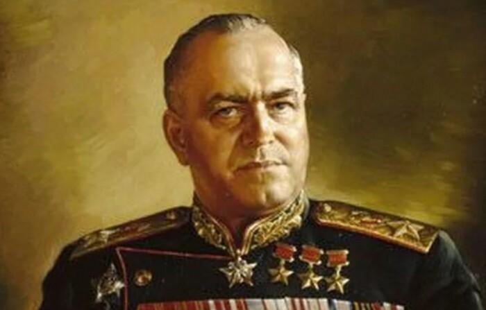В народной памяти он так и остался Маршалом Победы.