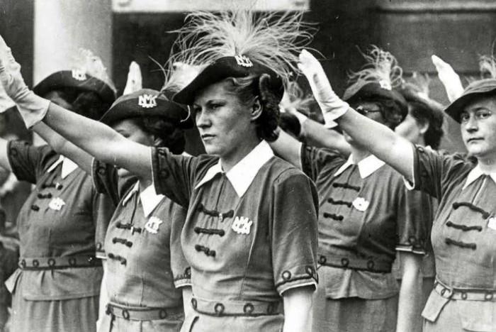 Женщина и политика несовместимы. Так решили мужчины.