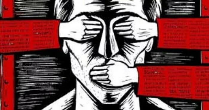 Идеальный советский гражданин: ничего не видит, ничего не болтает, ничего не понимает.
