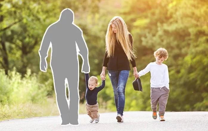 Если отец не принимал в жизни ребенка никакого участия, то вычеркнуть его нужно полностью, уверены многие женщины.