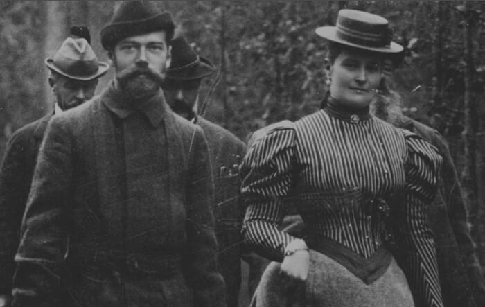 Николай Второй с супругой.