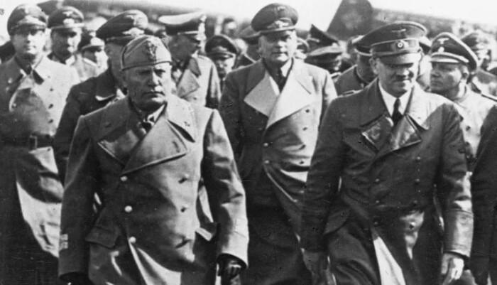 Судя по всему, Гитлер был доволен поездкой.
