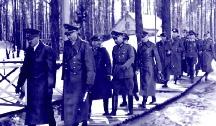 Бункер строился годами, а побывать в нем Гитлер мог пару раз.