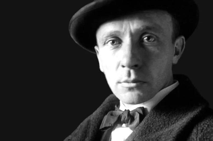 Михаил Булгаков был влюбчив и нравился женщинам.