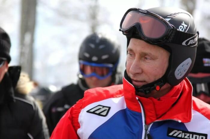 Владимир Владимирович не упускает возможности разнообразить свой досуг.