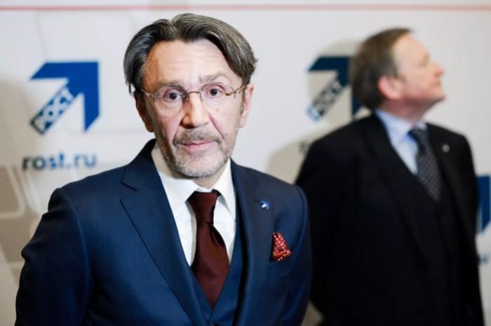 Теперь Сергей Шнуров еще и депутат.