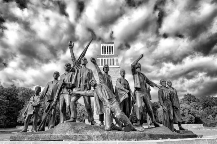 Памятник узникам Бухенвальда.