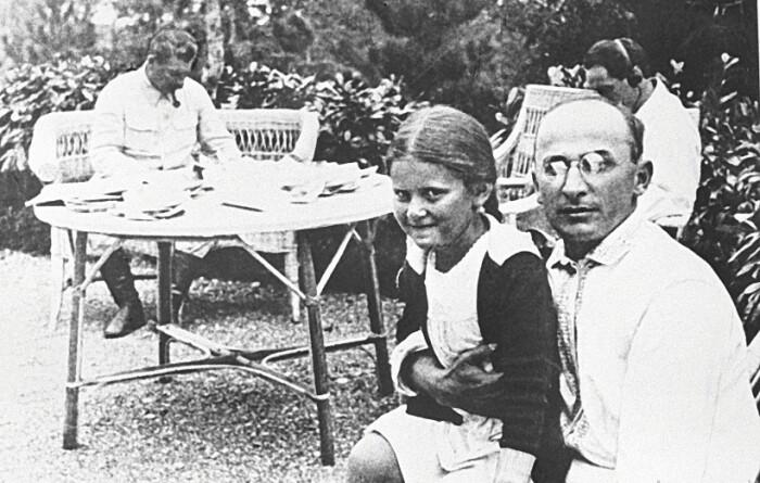 Знал бы Сталин, что хранится в сейфе у Берия, вряд ли подпустил к нему свою дочь