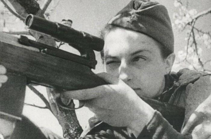 Фотографии Людмилы украшали не только советские газеты.