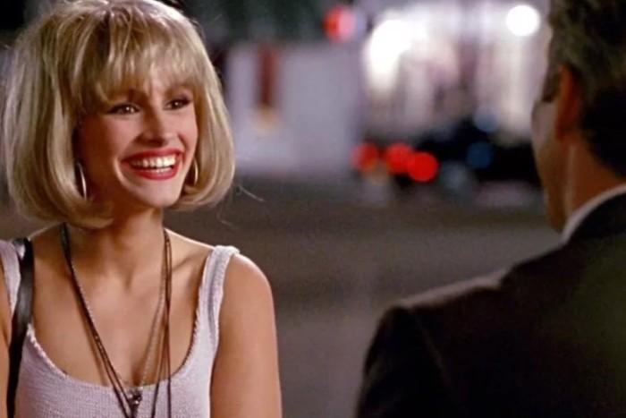 Улыбка американца еще не означает симпатию. Они просто улыбаются всем подряд.
