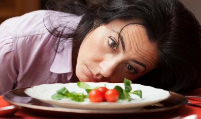 Большинство современных женщин на ограничения в питании соглашаются добровольно. Просто они выросли в определенных стереотипных установках.