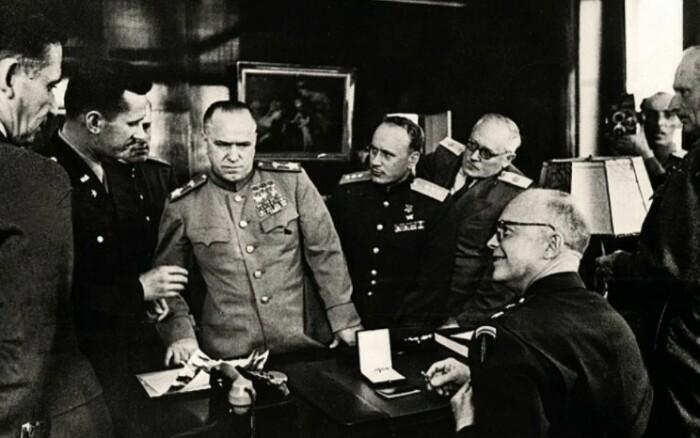 Авторитет Жукова пошатнуть не удалось.
