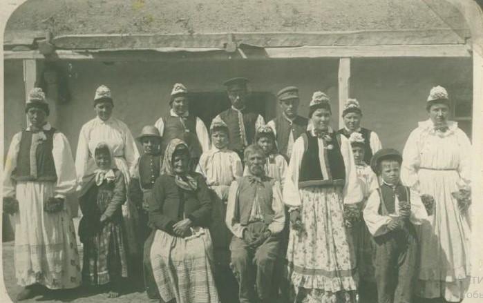 Духоборы в Канаде, которых изучал Бонч-Бруевич.