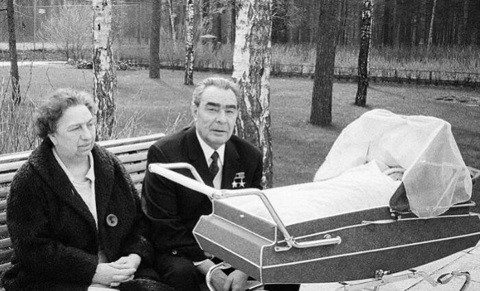 Брежнев выбирал себе жену, а не первую леди. И к этой ее роли претензий не было.