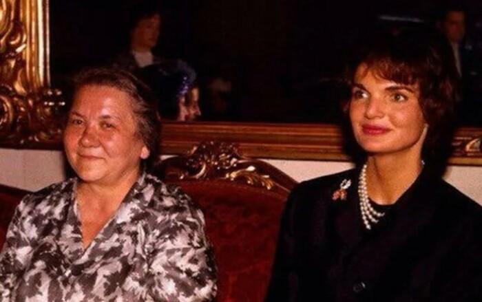 Нина Хрущева здесь в два раза старше Жаклин Кеннеди.