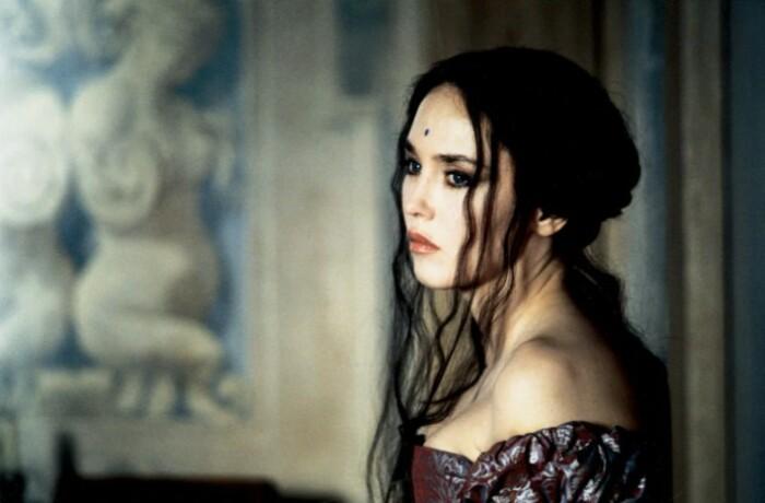 Изабелла Аджани в роли королевы Марго.