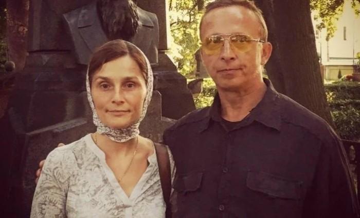 Оксана считает, что в семье достаточно одного актера.