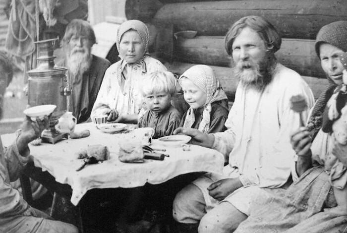 В патриархальном обществе роль отца была крайне велика.