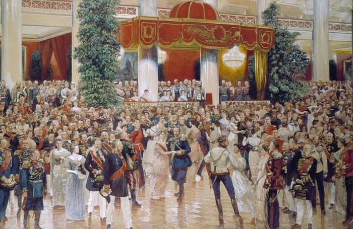 Бал в императорском дворце.
