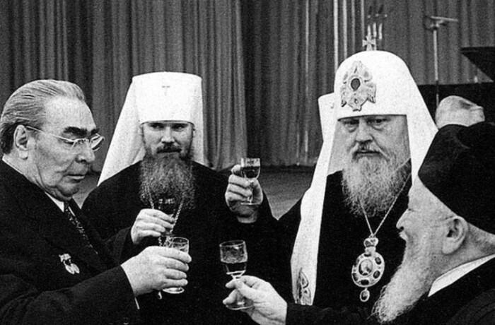 Лояльность Брежнева была опаснее Хрущевской категоричности.