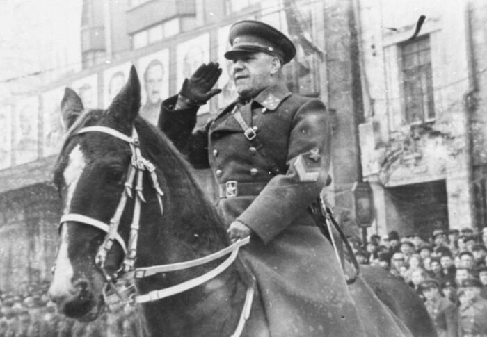 Жуков на Параде Победы в 1945 году.