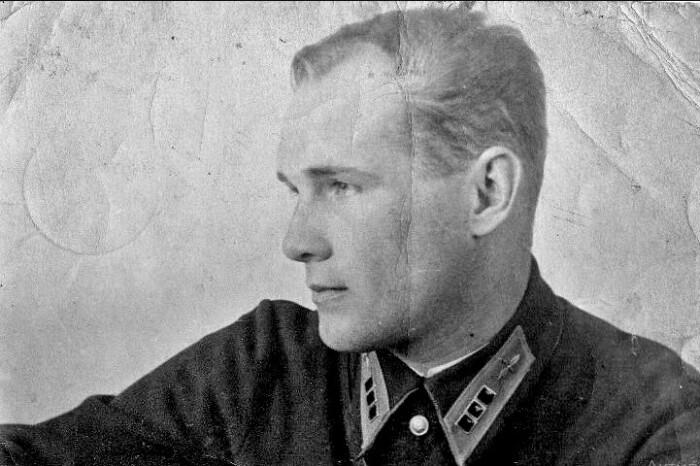 Герой СССР - Николай Власов.