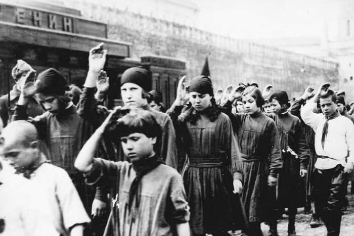 Парад пионеров 1924 года.